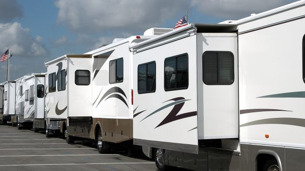 recreational-vehicle-3043422_1280